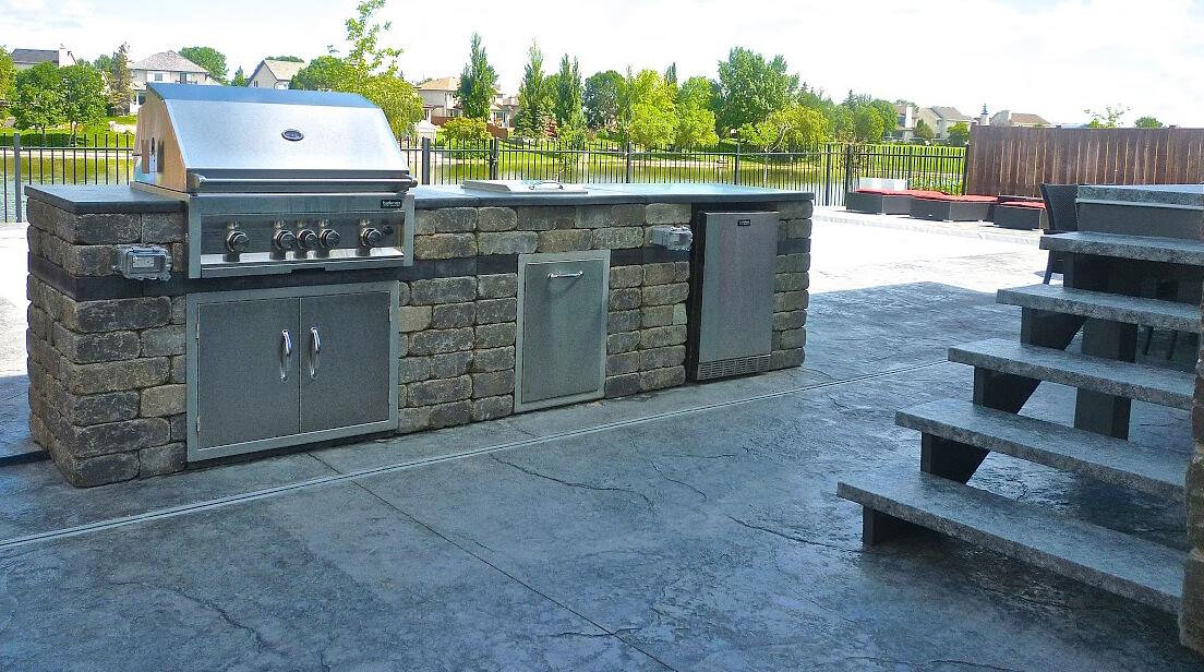 Outdoor kitchens viking landscaping for Viking outdoor kitchen designs